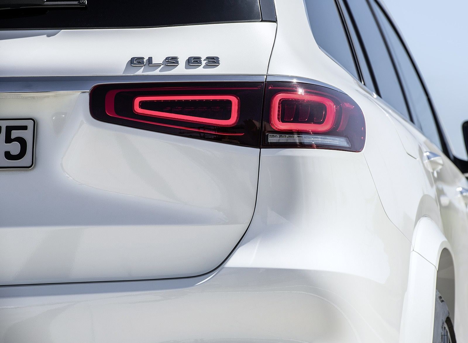2021 Mercedes-AMG GLS 63 Tail Light Wallpapers (9)