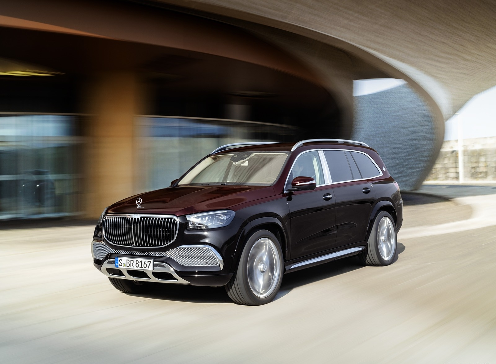 2021 Mercedes-Maybach GLS 600 (Color: Rubellite Red or Obsidian Black) Front Three-Quarter Wallpapers (6)