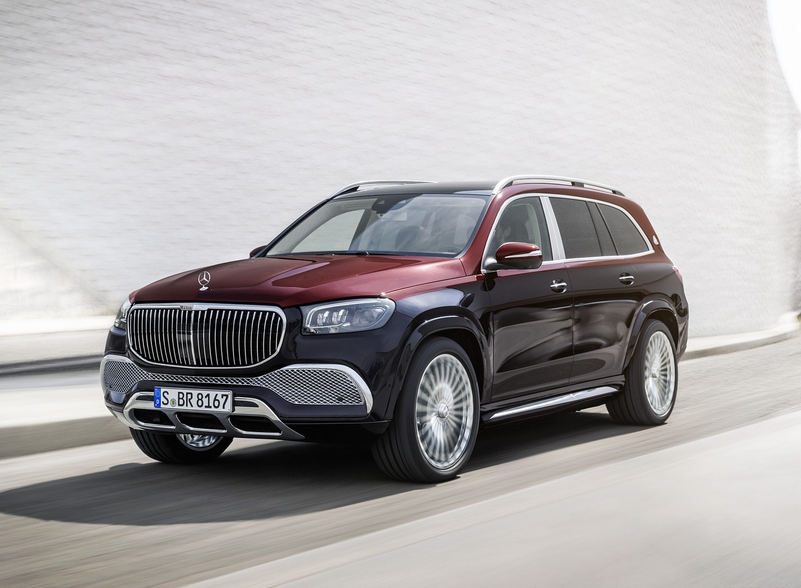 2021 Mercedes-Maybach GLS 600 (Color: Rubellite Red or Obsidian Black) Front Three-Quarter Wallpapers (7)