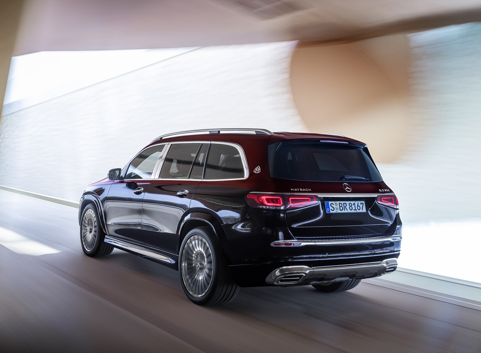 2021 Mercedes-Maybach GLS 600 (Color: Rubellite Red or Obsidian Black) Rear Three-Quarter Wallpapers (8)