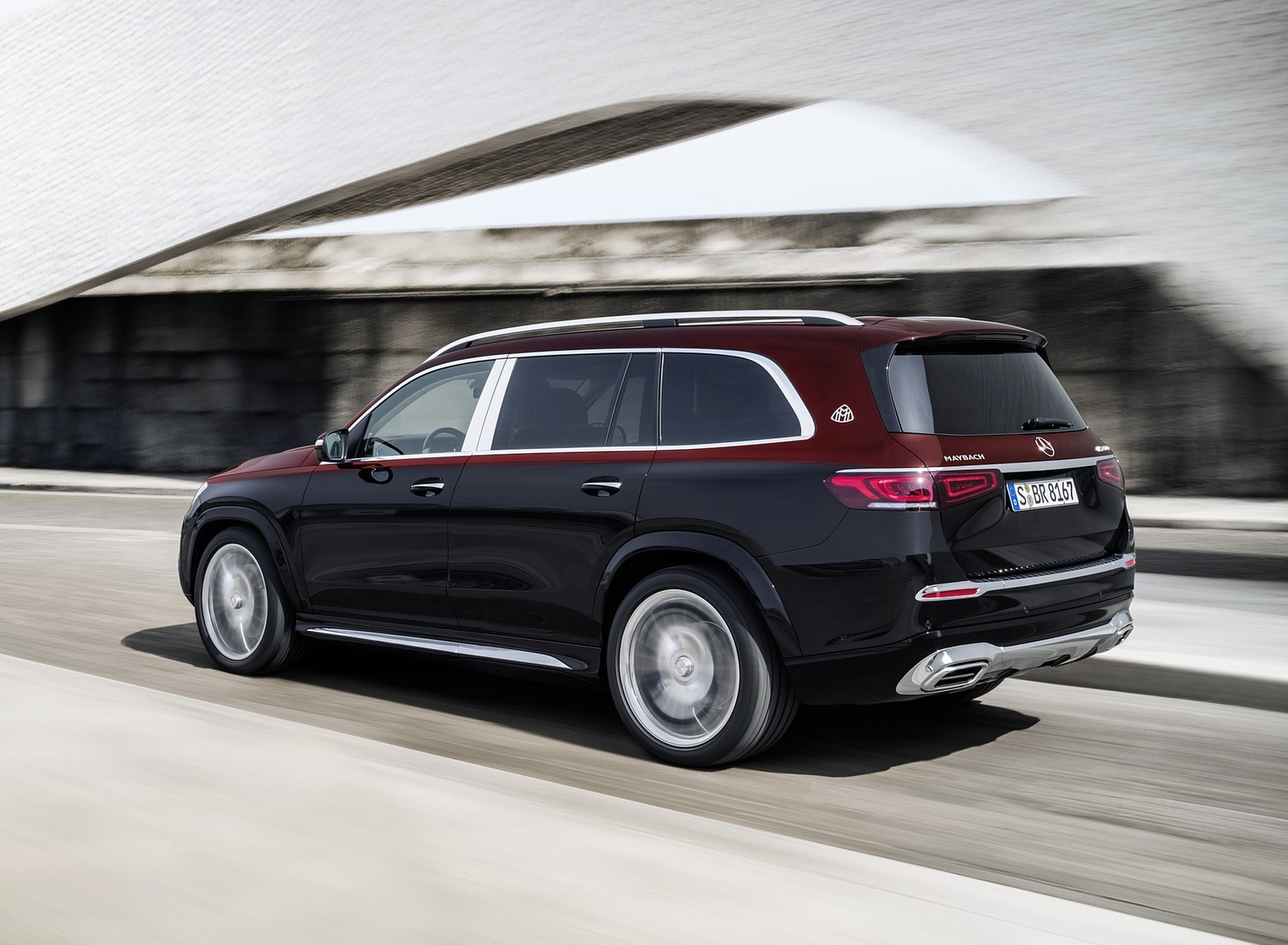 2021 Mercedes-Maybach GLS 600 (Color: Rubellite Red or Obsidian Black) Rear Three-Quarter Wallpapers (9)