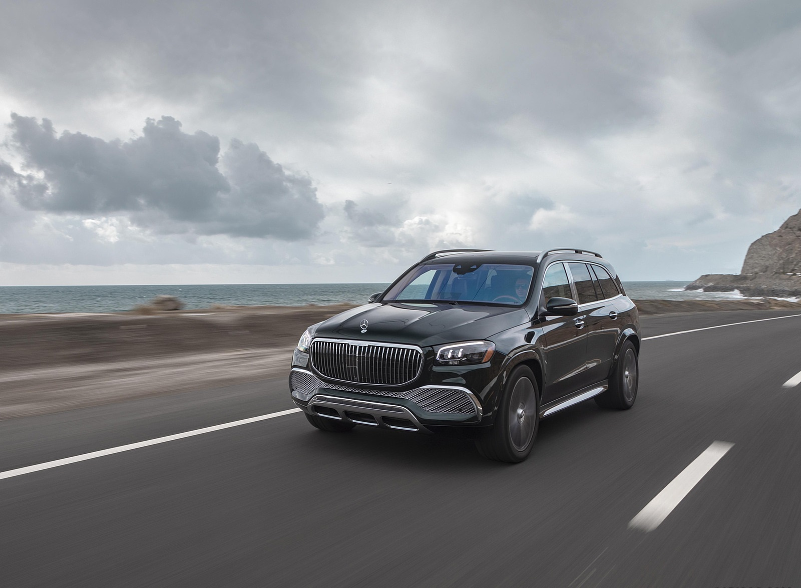 2021 Mercedes-Maybach GLS 600 (US-Spec) Front Three-Quarter Wallpapers (3)