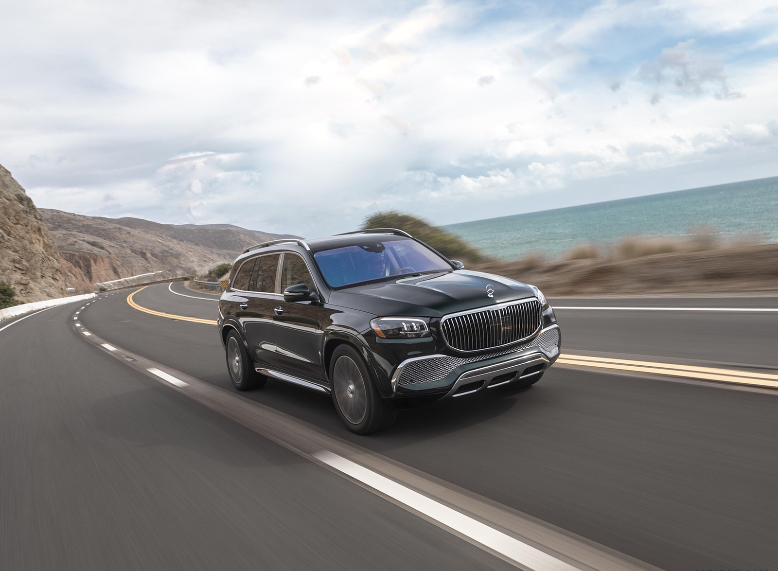 2021 Mercedes-Maybach GLS 600 (US-Spec) Front Three-Quarter Wallpapers (4)