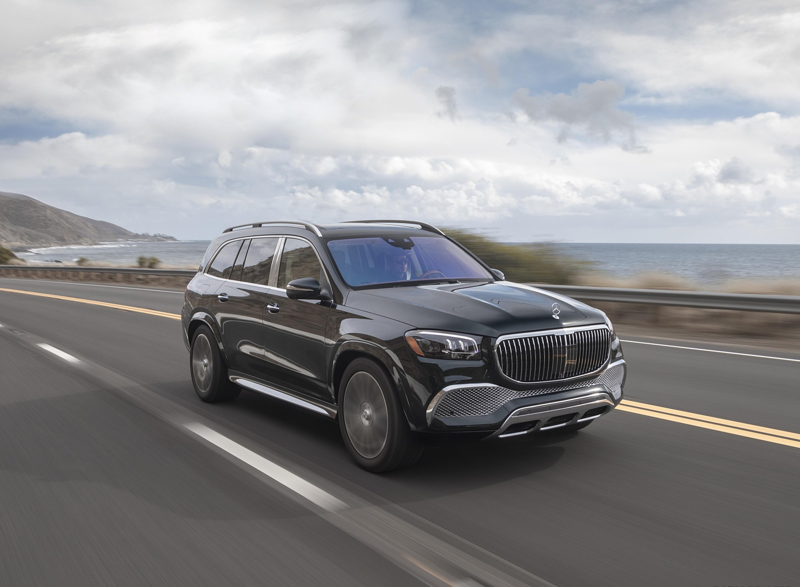2021 Mercedes-Maybach GLS 600 (US-Spec) Front Three-Quarter Wallpapers (5)