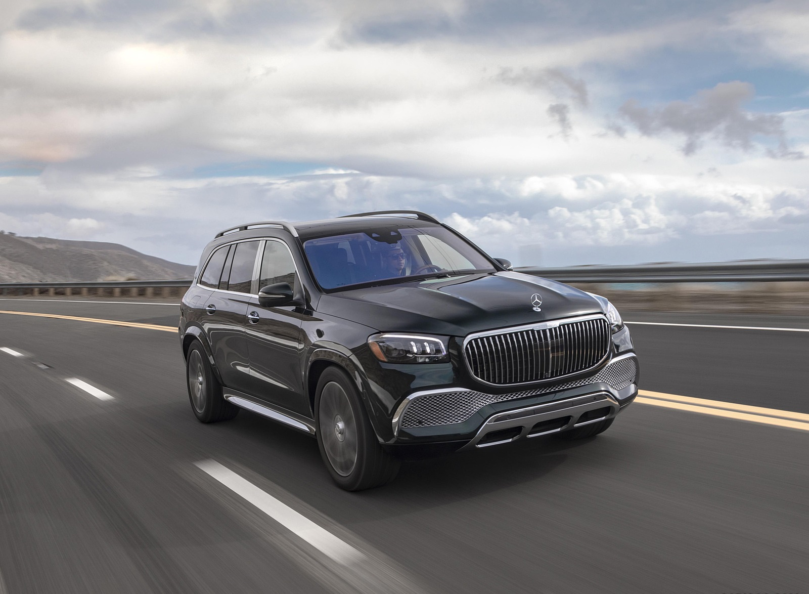 2021 Mercedes-Maybach GLS 600 (US-Spec) Front Three-Quarter Wallpapers (2)