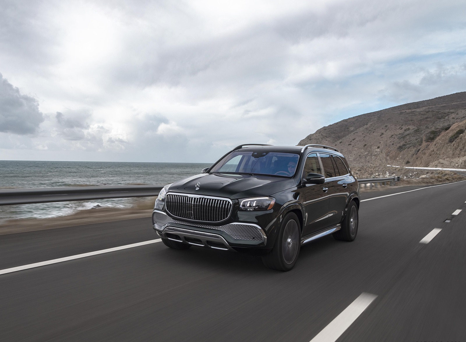 2021 Mercedes-Maybach GLS 600 (US-Spec) Front Three-Quarter Wallpapers  (7)