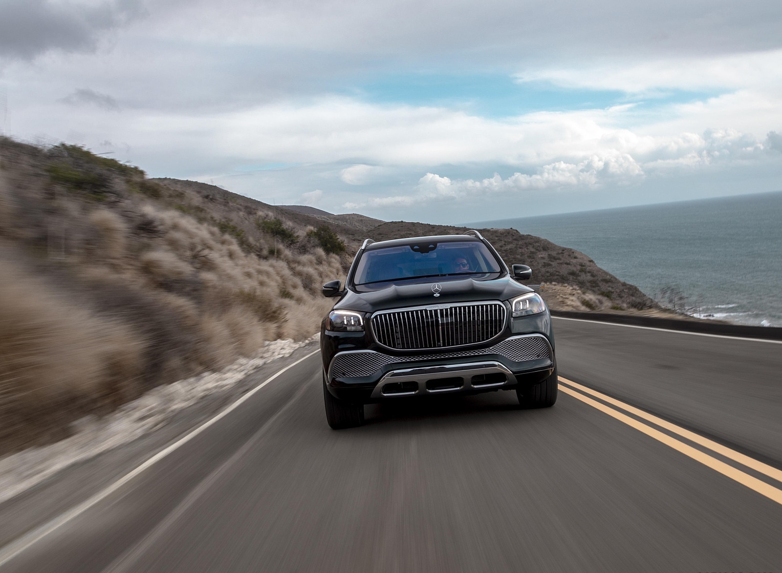 2021 Mercedes-Maybach GLS 600 (US-Spec) Front Wallpapers (9)
