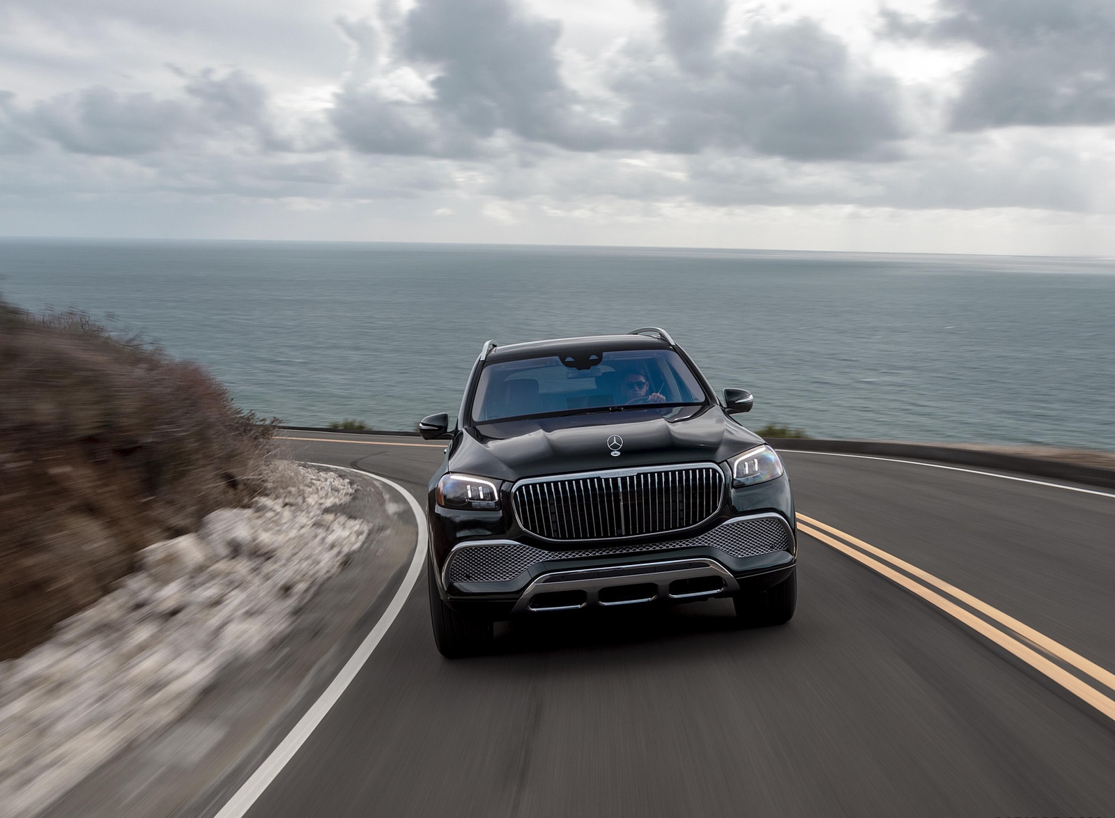 2021 Mercedes-Maybach GLS 600 (US-Spec) Front Wallpapers (1)