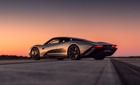 2019 McLaren Speedtail Rear Three-Quarter Wallpapers 450x275 (9)