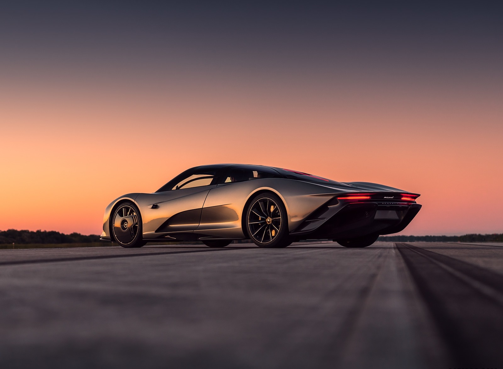 2019 McLaren Speedtail Rear Three-Quarter Wallpapers (9)