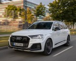 2020 Audi Q7 TFSI e quattro Plug-In Hybrid (Color: Glacier White) Front Three-Quarter Wallpapers 150x120 (4)