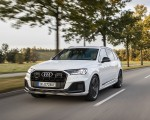 2020 Audi Q7 TFSI e quattro Plug-In Hybrid (Color: Glacier White) Front Three-Quarter Wallpapers 150x120 (5)