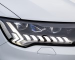 2020 Audi Q7 TFSI e quattro Plug-In Hybrid (Color: Glacier White) Headlight Wallpapers 150x120 (28)