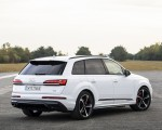 2020 Audi Q7 TFSI e quattro Plug-In Hybrid (Color: Glacier White) Rear Three-Quarter Wallpapers 150x120 (18)