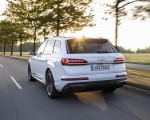 2020 Audi Q7 TFSI e quattro Plug-In Hybrid (Color: Glacier White) Rear Three-Quarter Wallpapers 150x120 (11)