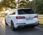 2020 Audi Q7 TFSI e quattro Plug-In Hybrid (Color: Glacier White) Rear Three-Quarter Wallpapers 150x120 (6)