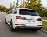 2020 Audi Q7 TFSI e quattro Plug-In Hybrid (Color: Glacier White) Rear Three-Quarter Wallpapers 150x120 (12)