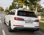 2020 Audi Q7 TFSI e quattro Plug-In Hybrid (Color: Glacier White) Rear Three-Quarter Wallpapers 150x120 (13)