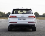 2020 Audi Q7 TFSI e quattro Plug-In Hybrid (Color: Glacier White) Rear Wallpapers 150x120 (19)