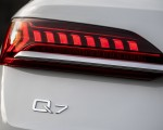 2020 Audi Q7 TFSI e quattro Plug-In Hybrid (Color: Glacier White) Tail Light Wallpapers 150x120 (26)