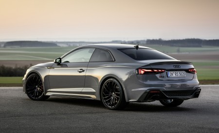 2020 Audi RS 5 Coupe (Color: Nardo Gray) Rear Three-Quarter Wallpapers 450x275 (21)