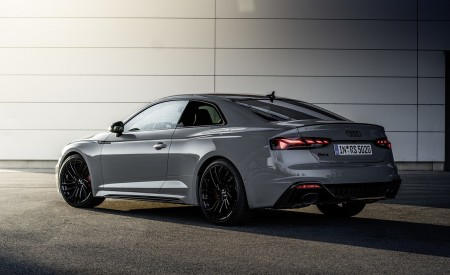 2020 Audi RS 5 Coupe (Color: Nardo Gray) Rear Three-Quarter Wallpapers 450x275 (12)