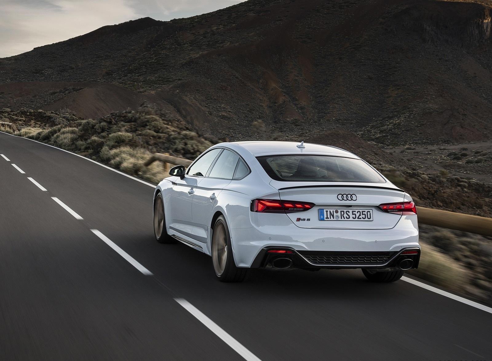 2020 Audi RS 5 Sportback (Color: Glacier White) Rear Three-Quarter Wallpapers (3)