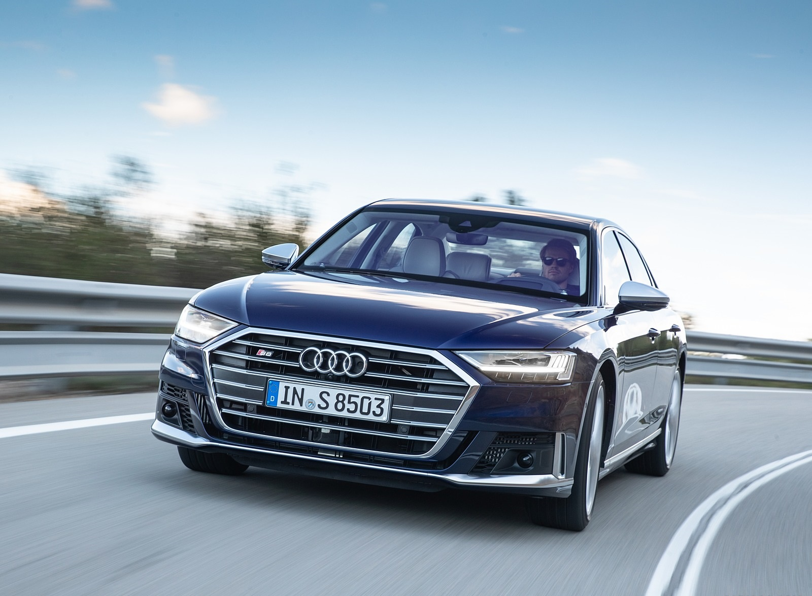 2020 Audi S8 (Color: Navarra Blue) Front Wallpapers (4)