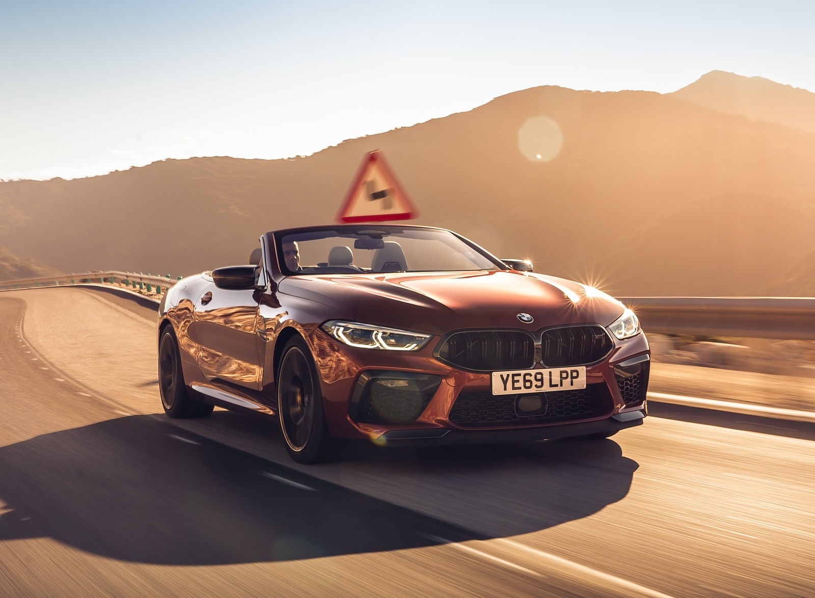 2020 BMW M8 Competition Convertible (UK-Spec) Front Three-Quarter Wallpapers (2)
