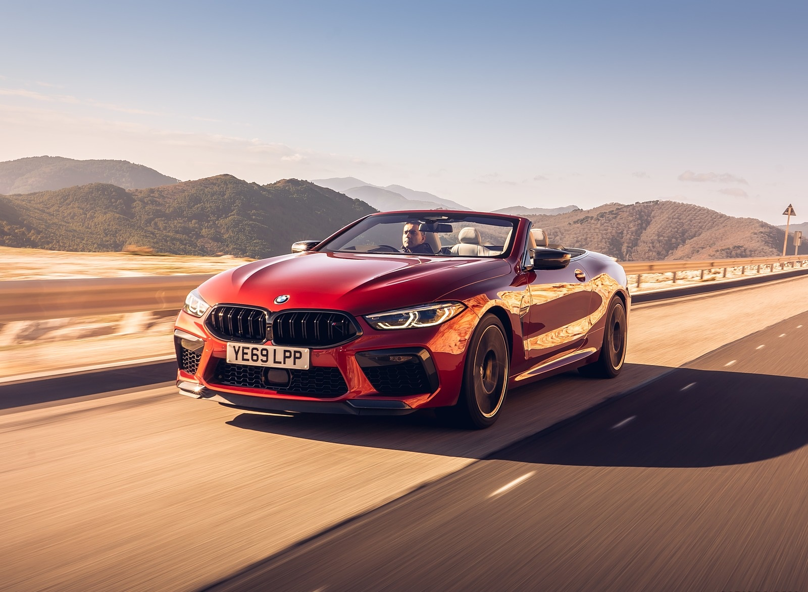 2020 BMW M8 Competition Convertible (UK-Spec) Front Three-Quarter Wallpapers (3)