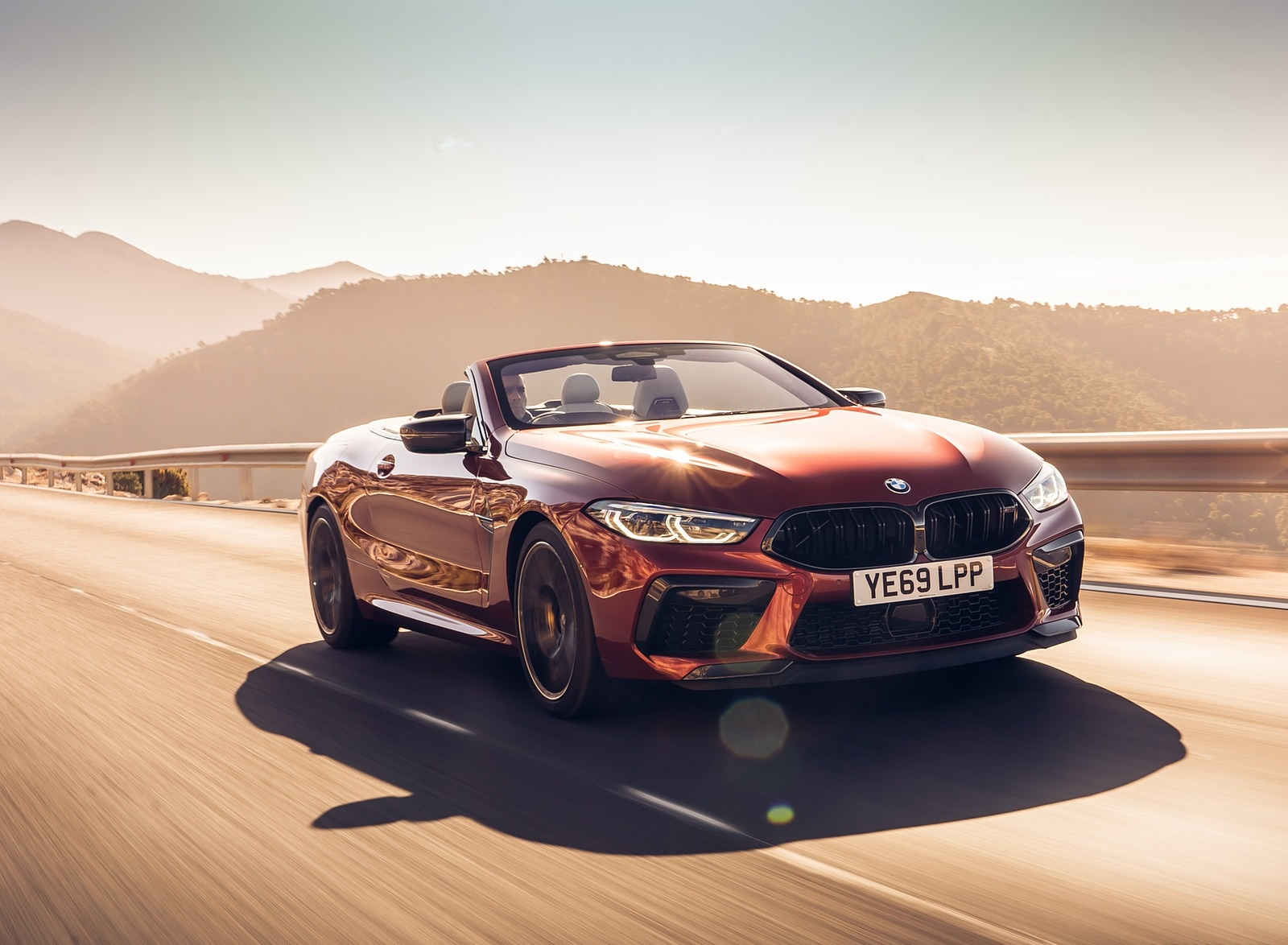 2020 BMW M8 Competition Convertible (UK-Spec) Front Three-Quarter Wallpapers #6 of 40