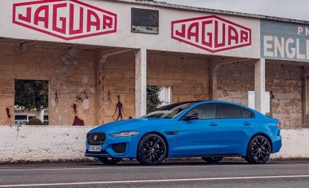 2020 Jaguar XE Reims Edition Front Three-Quarter Wallpapers 450x275 (25)