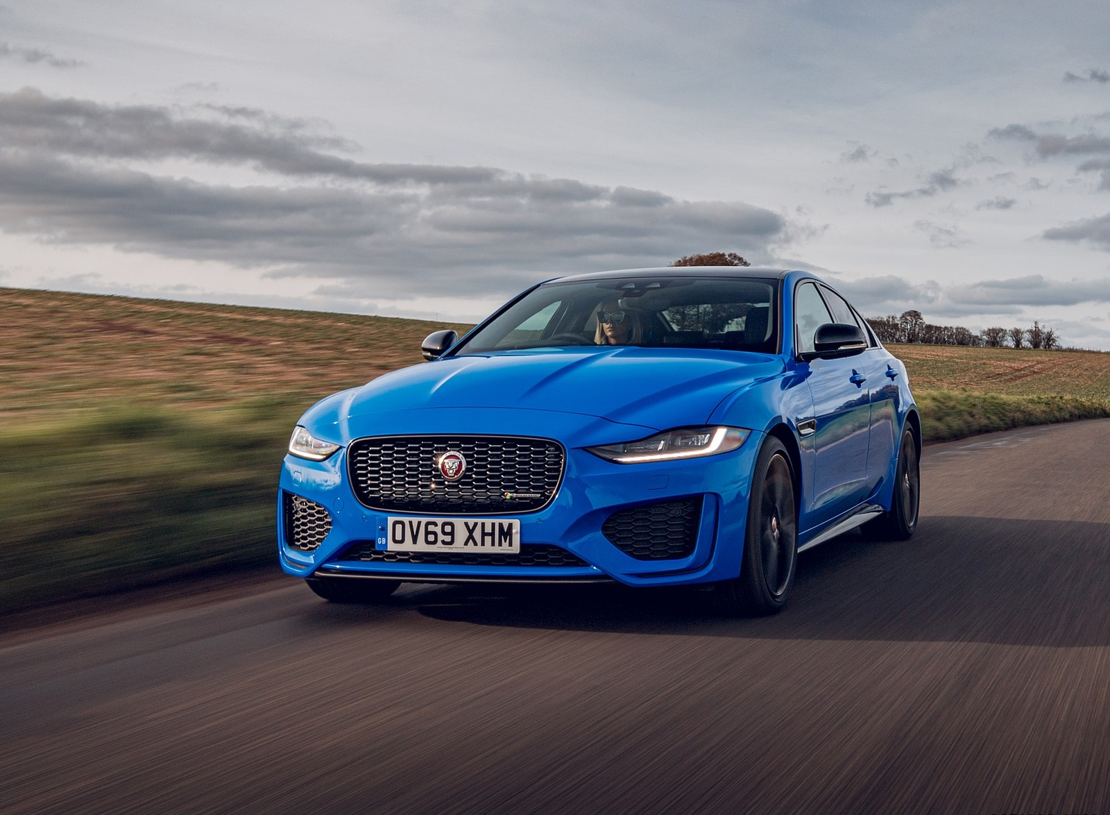 2020 Jaguar XE Reims Edition Front Three-Quarter Wallpapers (3)