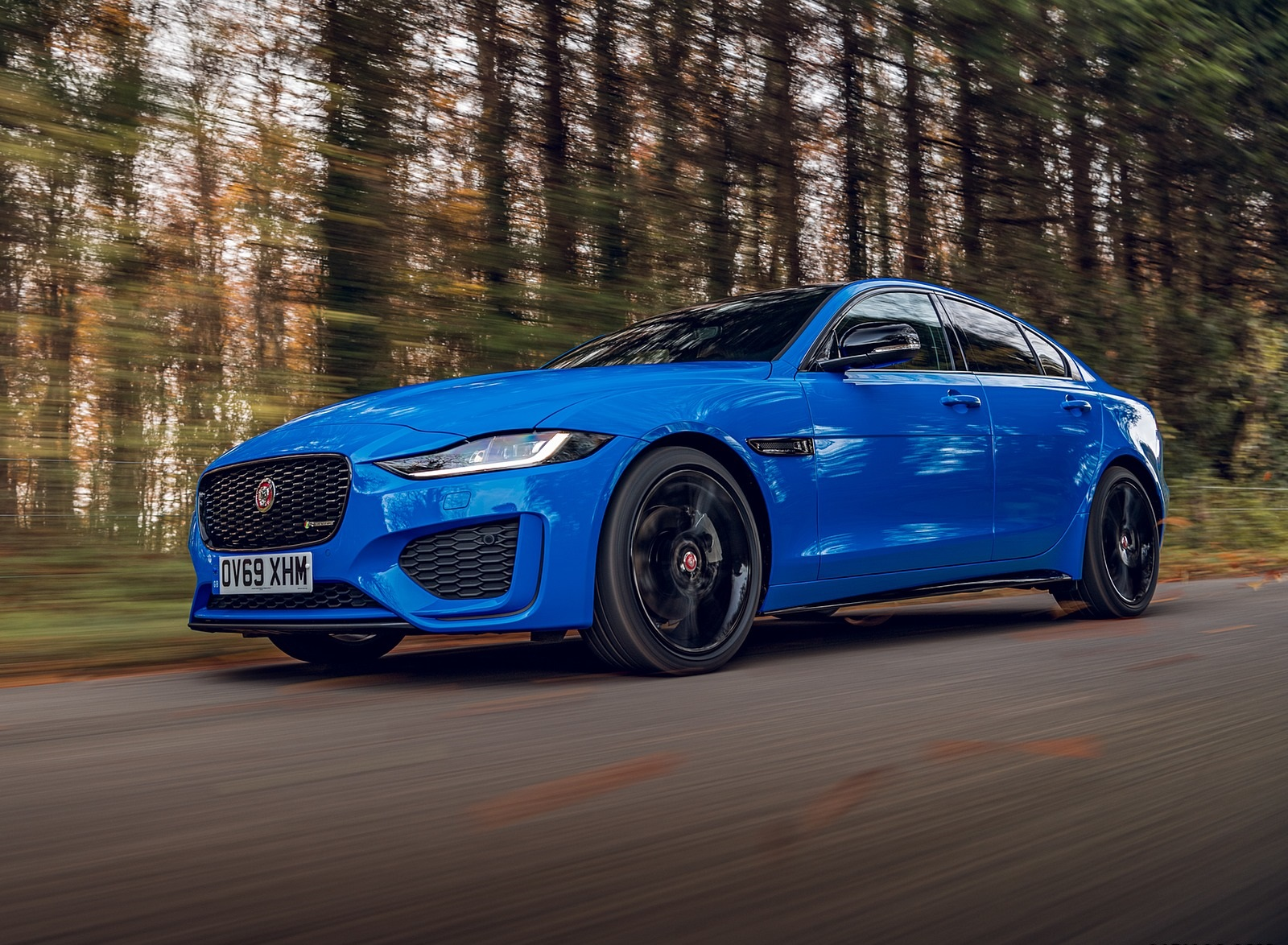 2020 Jaguar XE Reims Edition Front Three-Quarter Wallpapers (4)