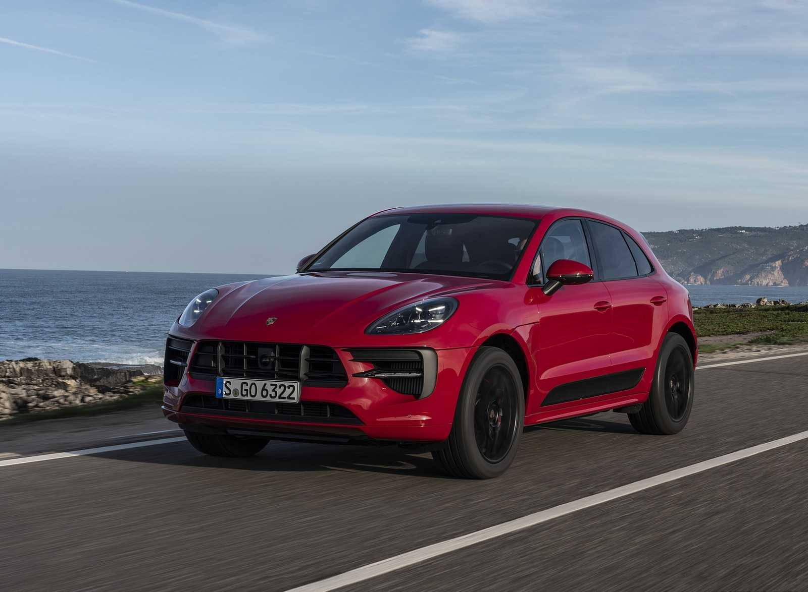2020 Porsche Macan GTS (Color: Carmine Red) Front Three-Quarter Wallpapers (4)