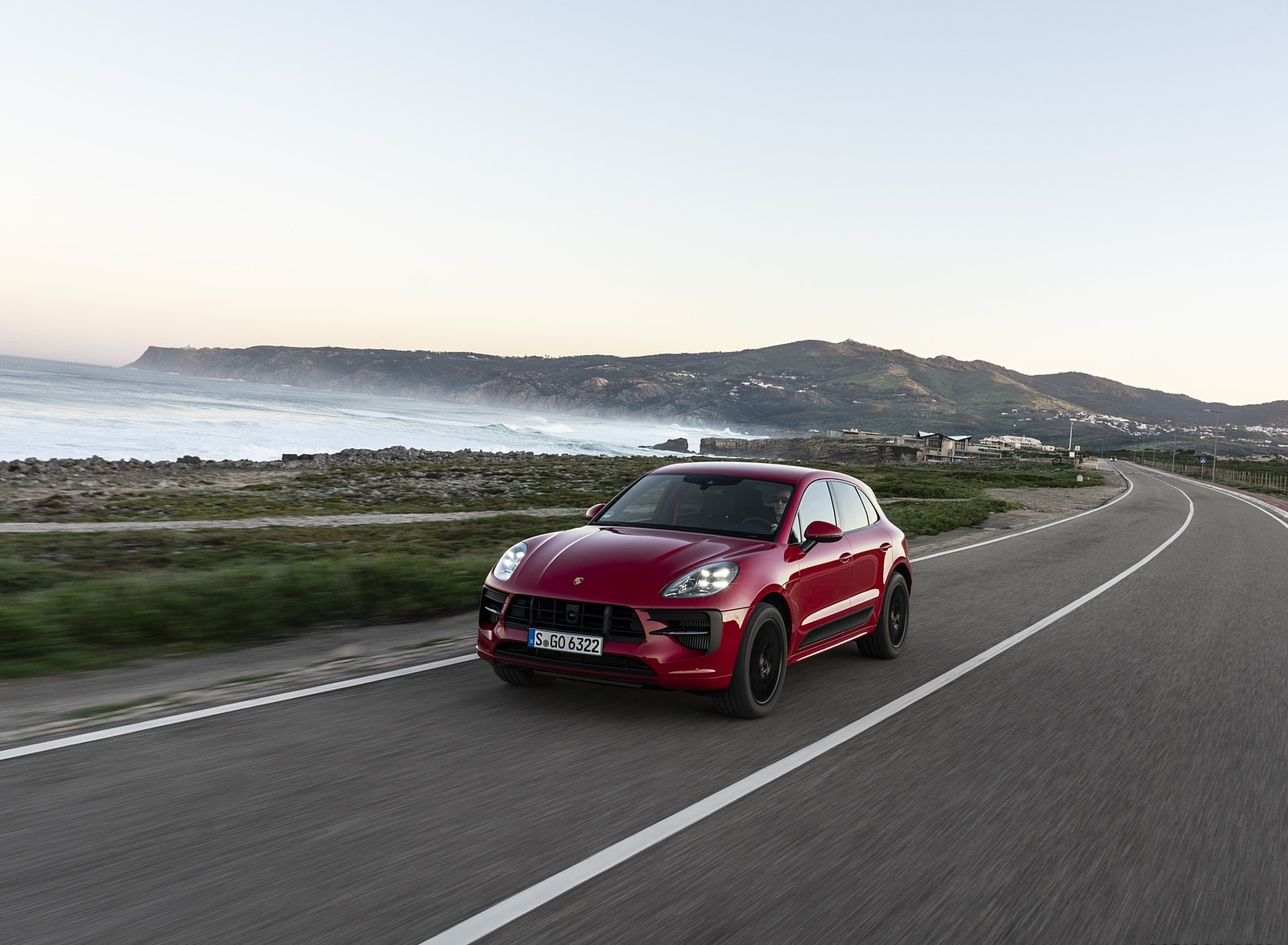 2020 Porsche Macan GTS (Color: Carmine Red) Front Three-Quarter Wallpapers (5)