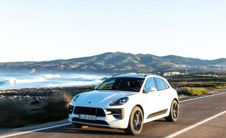 2020 Porsche Macan GTS (Color: Carrara White Metallic) Front Three-Quarter Wallpapers 450x275 (159)