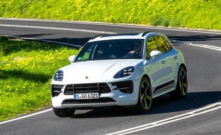2020 Porsche Macan GTS (Color: Carrara White Metallic) Front Wallpapers 450x275 (154)