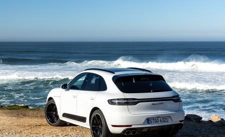 2020 Porsche Macan GTS (Color: Carrara White Metallic) Rear Three-Quarter Wallpapers 450x275 (184)