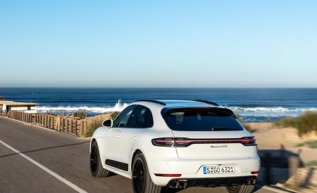 2020 Porsche Macan GTS (Color: Carrara White Metallic) Rear Three-Quarter Wallpapers 450x275 (168)