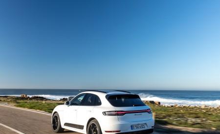 2020 Porsche Macan GTS (Color: Carrara White Metallic) Rear Three-Quarter Wallpapers 450x275 (172)