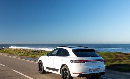2020 Porsche Macan GTS (Color: Carrara White Metallic) Rear Three-Quarter Wallpapers 450x275 (173)