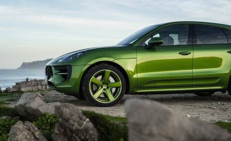 2020 Porsche Macan GTS (Color: Mamba Green Metallic) Detail Wallpapers 450x275 (151)