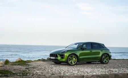 2020 Porsche Macan GTS (Color: Mamba Green Metallic) Front Three-Quarter Wallpapers 450x275 (134)
