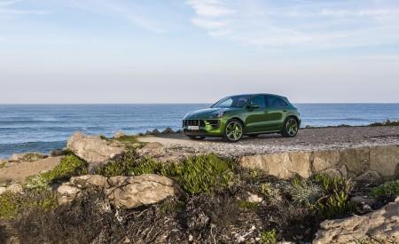 2020 Porsche Macan GTS (Color: Mamba Green Metallic) Front Three-Quarter Wallpapers 450x275 (136)