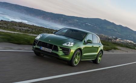 2020 Porsche Macan GTS (Color: Mamba Green Metallic) Front Three-Quarter Wallpapers 450x275 (120)