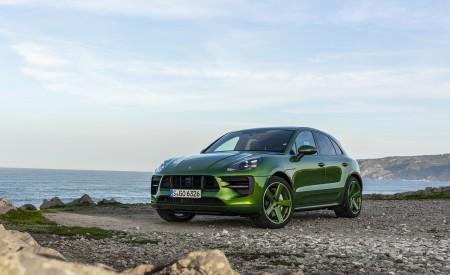 2020 Porsche Macan GTS (Color: Mamba Green Metallic) Front Three-Quarter Wallpapers 450x275 (130)