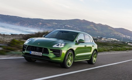 2020 Porsche Macan GTS (Color: Mamba Green Metallic) Front Three-Quarter Wallpapers 450x275 (121)