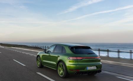 2020 Porsche Macan GTS (Color: Mamba Green Metallic) Rear Three-Quarter Wallpapers 450x275 (125)