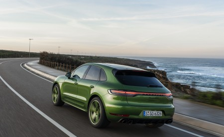2020 Porsche Macan GTS (Color: Mamba Green Metallic) Rear Three-Quarter Wallpapers 450x275 (126)